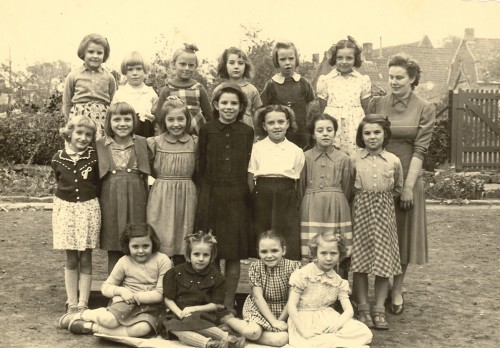 Filles 1953.jpg